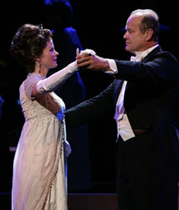 Kelli O'Hara and Kelsey Grammer in My Fair Lady(© Chris Lee)