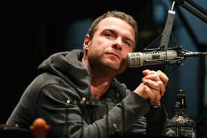 Liev Schreiber in Talk Radio