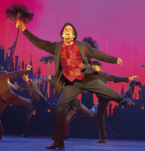 Gavin Creel in Mary Poppins(© Disney/CML)