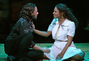 Steve Kazee and Audra McDonaldin 110 in the Shade(© Joan Marcus)