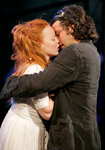 Lauren Ambrose and Oscar Isaac