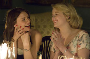 Claire Danes and Mamie Gummer in Evening