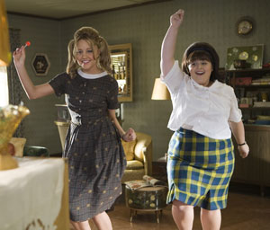 Amanda Bynes and Nikki Blonsky in Hairspray