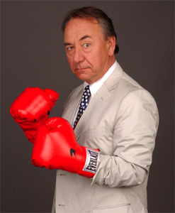 Will Durst in The All-American Sport of Bipartisan Bashing (© Pat Johnson)