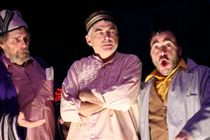 Guil Fisher, Ray Wills, and Steven Rattazzi in A Night in the Old Marketplace (© Mark Garvin)
