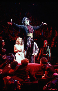 Raúl Esparza and castin The Rocky Horror Show(Photo: Carol Rosegg)