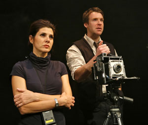 Marisa Tomei and Brian Hutchison in Oh, the Humanity and other exclamations (© Richard Termine)