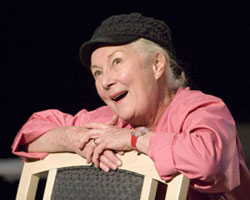 Rosemary Harris in Oscar and the Pink Lady (© Craig Schwartz)