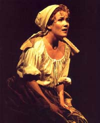Erin Dilly in Martin Guerre