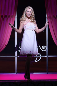 Bailey Hanks in Legally Blonde