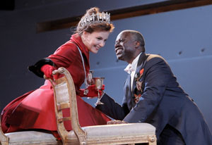 Margaret Colin and Andre Braugher in Hamlet