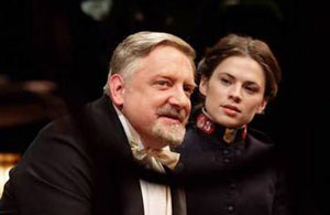 Simon Russell Beale and Hayley Atwell in Major Barbara (© Catherine Ashmore)