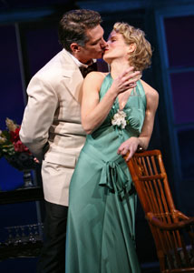 Paulo Szot and Kelli O'Hara in South Pacific (© Joan Marcus)