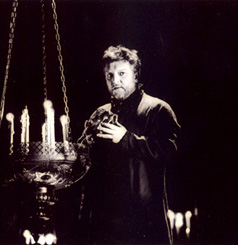Simon Russell Beale in Hamlet(Photo: Catherine Ashmore)