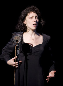 Elena Roger in Piaf