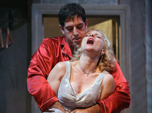 Gregory Derelian and Laila Robins in A Streetcar Named Desire (© Gerry Goodstein)