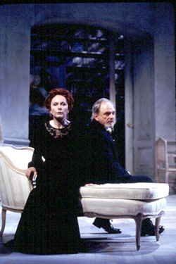 Kate Burton and Harris Yulin in Hedda Gabler(Photo: T. Charles Erickson)