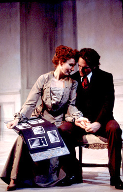 Kate Burton and David Lansbury in Hedda Gabler(Photo: T. Charles Erickson)