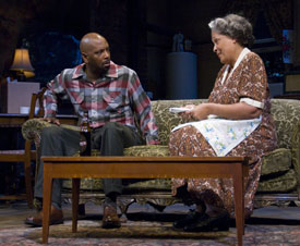 David Alan Anderson and Franchelle Stewart Dorn in A Raisin in the Sun (© Peter Jennings)