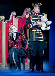 Elizabeth Ward Land and George Dvorsky in Chitty Chitty Bang Bang (© Ian Ibbetson)