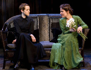 Jena Malone and Lili Taylor in Mourning Becomes Electra