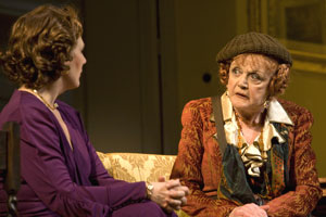 Jayne Atkinson and Angela Lansbury in Blithe Spirit