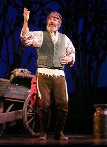 Topol in Fiddler on the Roof (© Joan Marcus)