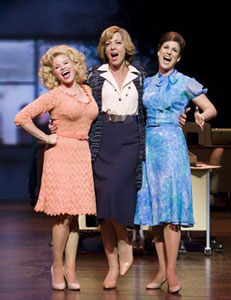 Megan Hilty, Allison Janney, and