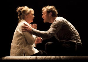 Penelope Wilton and Jude Law in Hamlet