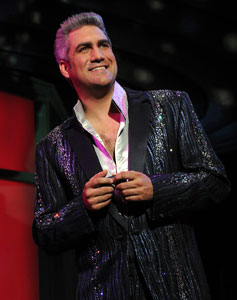 Taylor Hicks in Grease (© Larry Busacca)