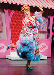Paul Vogt in the Broadway production of Hairspray (© Paul Kolnick)