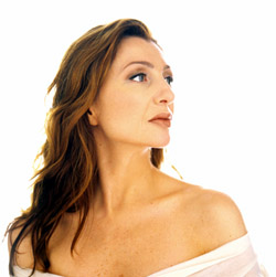 I feel pretty: Donna Murphy as Helen