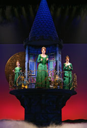 Sutton Foster (center)