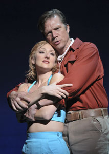 Carmen Cusack and Rod Gilfry in South Pacific (© Peter Coombs)