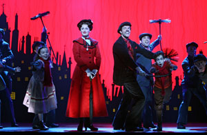 Ashley Brown, Gavin Lee and company in Mary Poppins (© Joan Marcus)