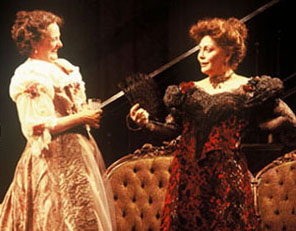Smile when you say that:Nancy Robinette and Elizabeth Ashley in The Little Foxes(Photo: Carol Rosegg)