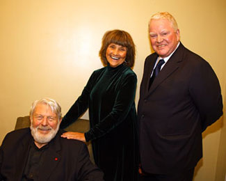 Theodore Bikel, Lauri Peters, and Brian Davies