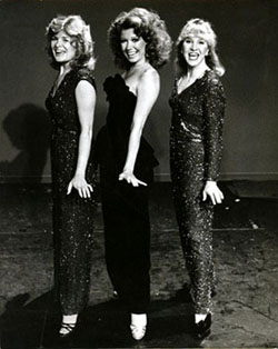 Myers (r) with Company castmatesTeri Ralston (l) and Donna McKechnie (c)in the revue Let Me Sing and I'm Happy, circa 1980