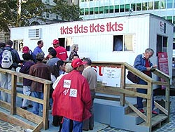 The tkts Ticket Booth at Bowling Green Park Plaza