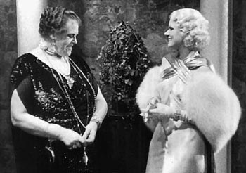 Marie Dressler and Jean Harlow in the film version of Dinner at Eight