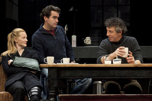 Laura Linney, Brian d'Arcy James, and Eric Bogosian in Time Stands Still (© Joan Marcus)