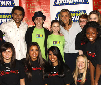 Corbin Bleu and Meredith Vieira with kids from Broadway Kids Care