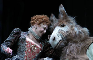 Judi Dench and Oliver Chris in A Midsummer Night's Dream (© Nobby Clark)