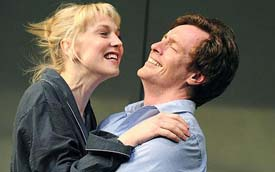 Hattie Morahan and Toby Stephens in The Real Thing (© Alastair Muir)