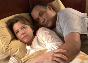 Annette Bening and Jimmy Smits in Mother and Child