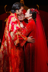 José Llana and Lea Salonga inthe revisal of Flower Drum Song(Photo: © Joan Marcus)