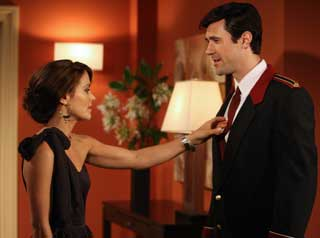 Rebecca Budig and Christopher Johnstone in All My Children (© ABC)