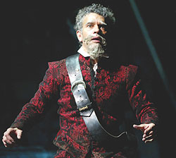 Brian Stokes Mitchell plays the delusionalDon Quixote in Man of La Mancha(Photo: Joan Marcus)