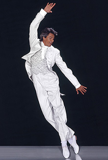 Tommy Tune dons White Tie and Tails(Photo: Howard Schatz)