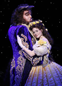 Justin Glaser and Liz Shivener in Beauty and the Beast (© Joan Marcus)